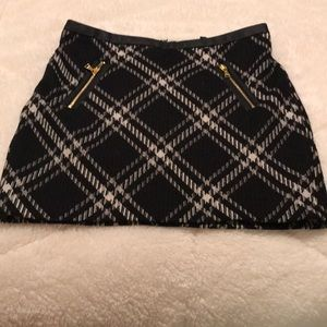 Express mini skirt.